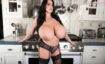 Bend me over the stove says Leanne Crow